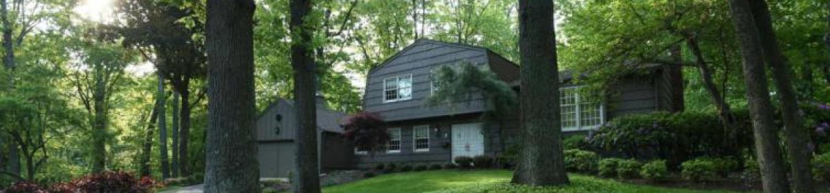 Just Listed in Lincroft, NJ